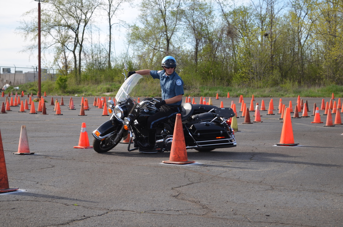 Gallery Video Advanced Motorcycle Trainingmidwest Police Motorcycle Training Inc